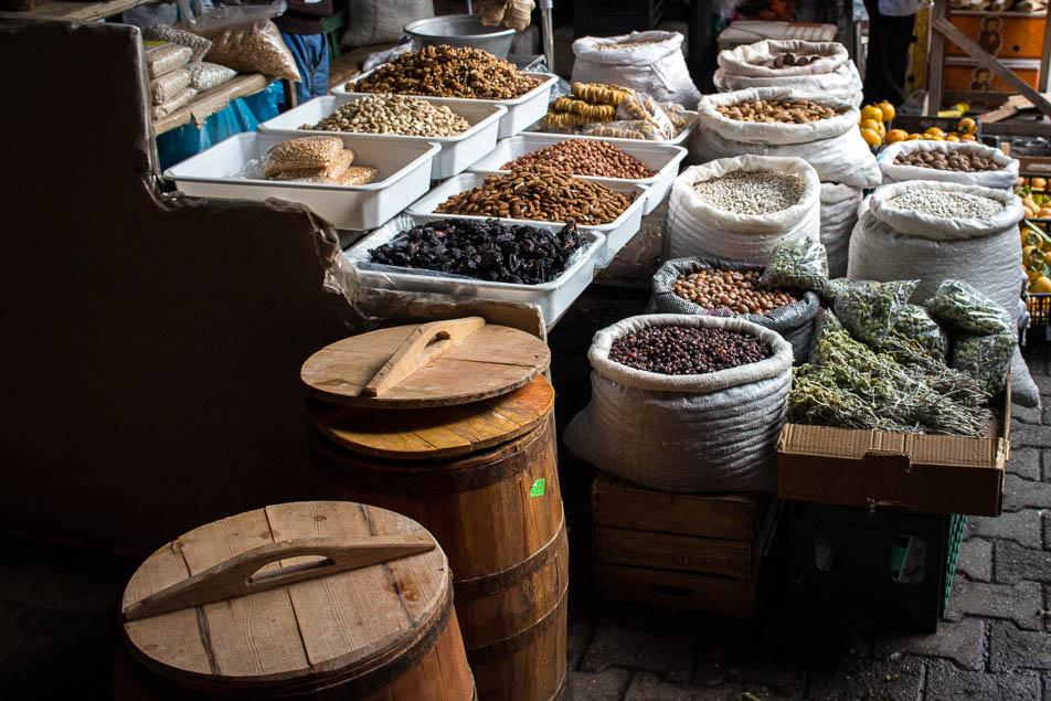 Auf dem Markt in Elbasan, hier gibts es viele tolle GEwürze