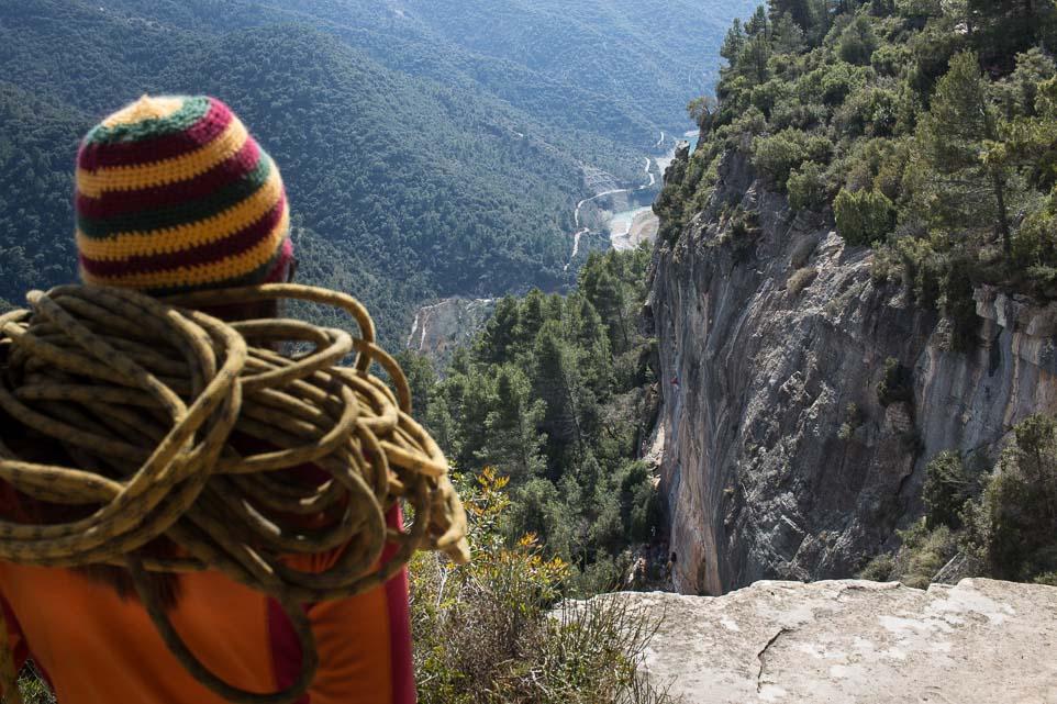 Auf dem Weg zum klettern in Siurana Spanien